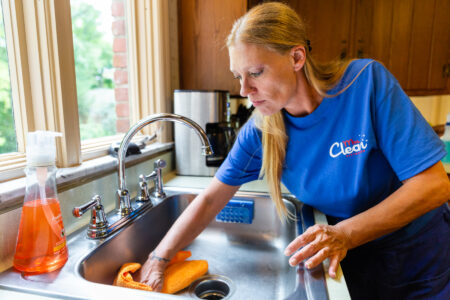 Professional kitchen cleaning in Pittsburgh, PA, mrs clean pittsburgh, cleaning service near me, cleaning service pittsburgh, maid service near me, maid service in pittsburgh, cleaners near me, reliable maids, best cleaners, deep clean, housekeeping near me, cleaning sink